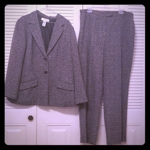 Other - Professional Women Pant Suit